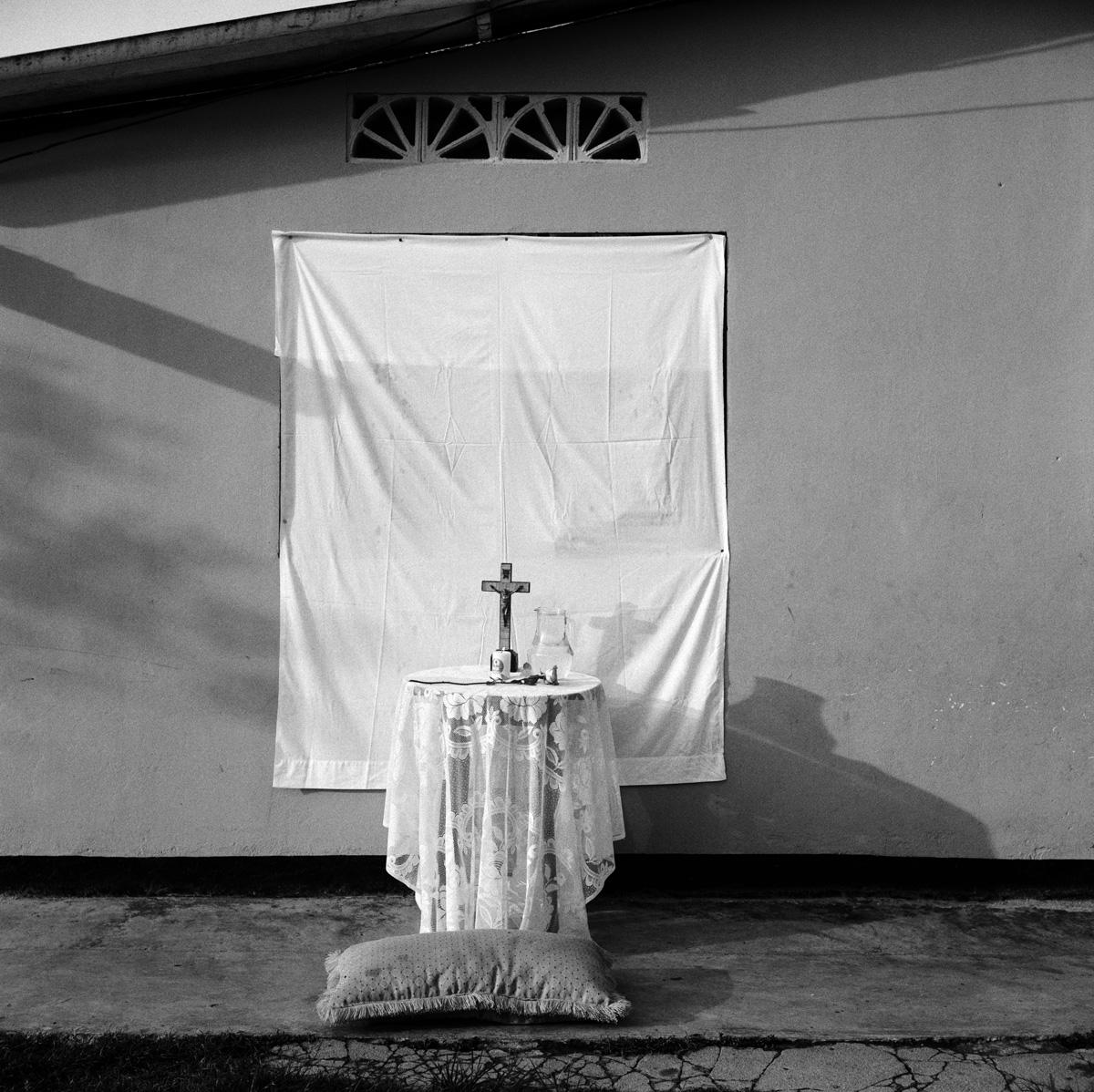 Colombia, Aracataca,  Stazione della Via Crucis per la processione del Venerdì Santo. Courtesy Fausto Giaccone