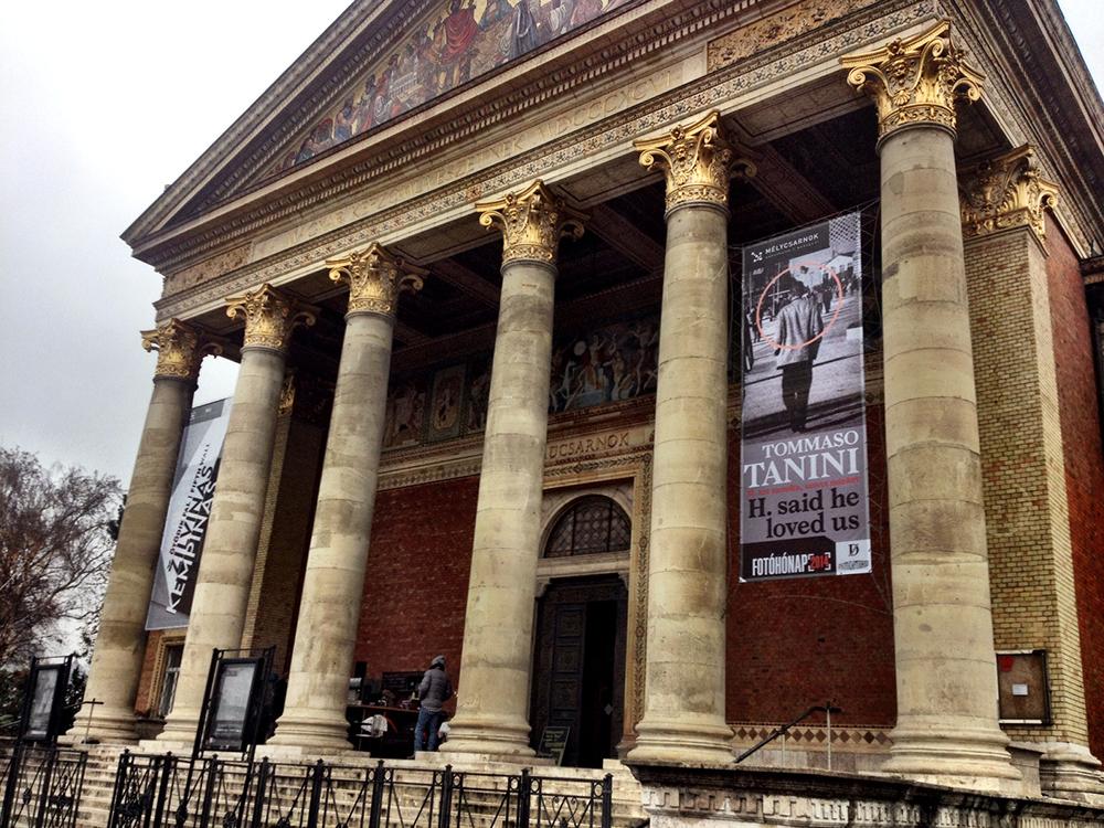 Main entrance of Műcsarnok/Kunsthalle Budapest